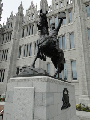 Robert the Bruce - monument in front of Marischal College